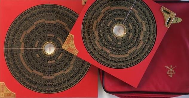 Der Feng shui Kompass in zwei verschiedenen Größen
